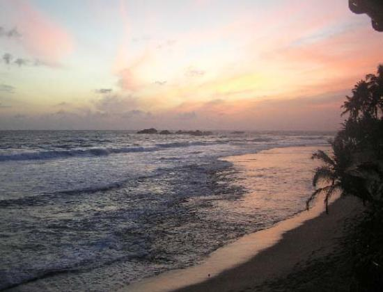 Nippon Villa Beach Resort : Our romantic sunset