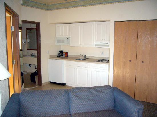 Comfort Suites: Living Room Looking Toward Bathroom and Kitchen Area