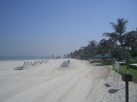 JA Jebel Ali Beach Hotel: Down on the beach