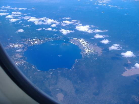 Crater Lake National Park: view of crater lake from airplane