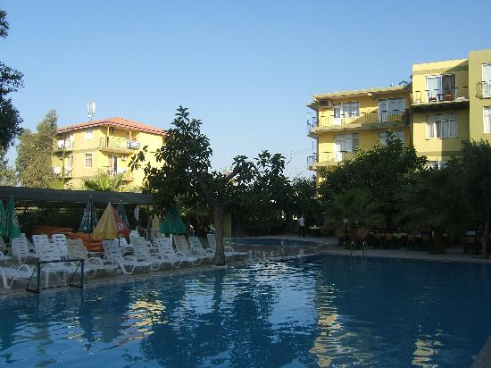 Welcome Sertkaya Hotel: pool area