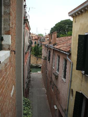 Ai Tre Ponti : Excellent View from window