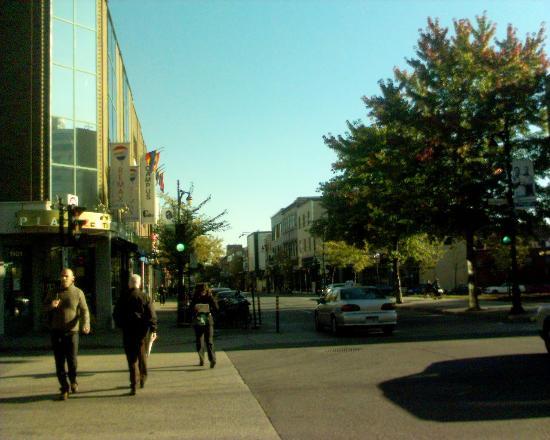 Hotel St-Denis: Calle St Dennis