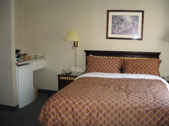 ذا سانت ريجيس هوتل: Room 409 - very nice.