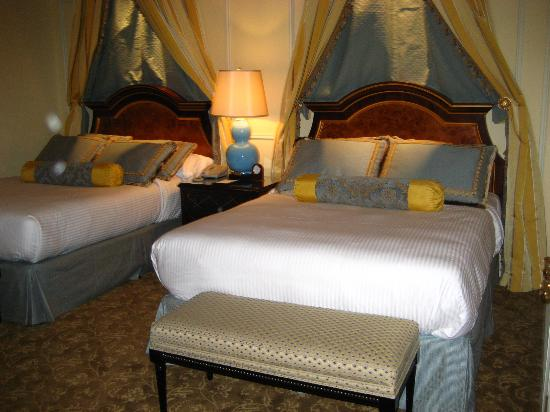 The Venetian Macao Resort Hotel: Queen Size beds
