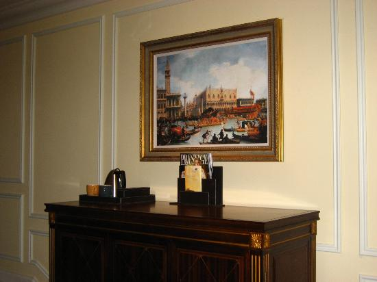 The Venetian Macao Resort Hotel: Painting above the TV cabinet