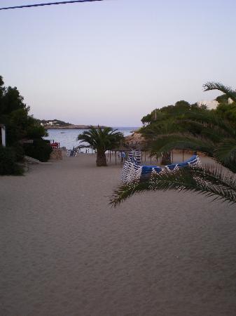 Blue Sea Es Bolero: Nearest beach - evening