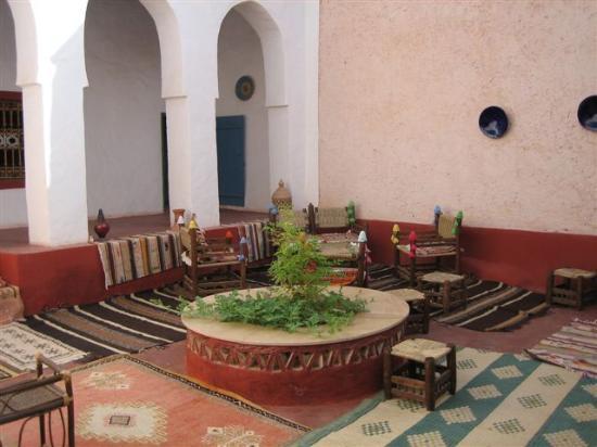 Dar Infiane: patio principal