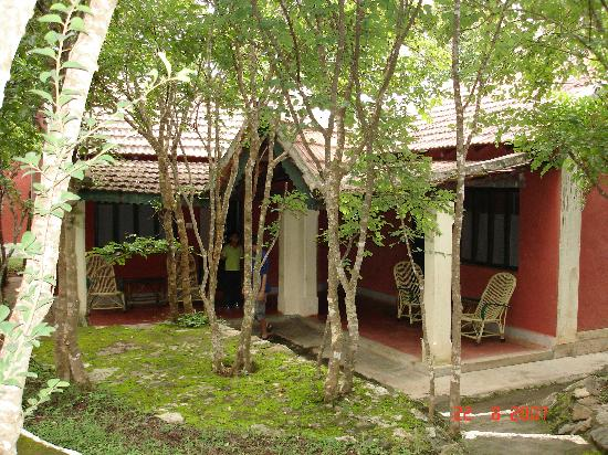Bandipur National Park, Hindistan: Cottage at Tusker trails