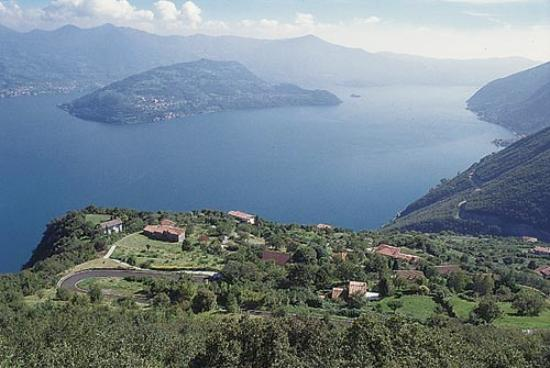 Lago d'Iseo : Lake iseo with Montisola island