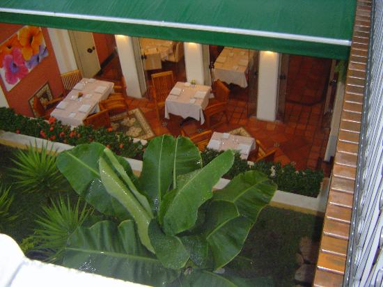 Hotel Casa do Amarelindo : View of the restaurant from the pool