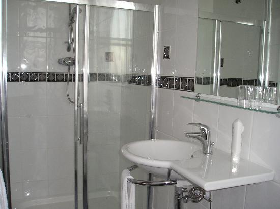 كومفورت إن رامزجيت: nice shower at the comfort hotel ramsgate