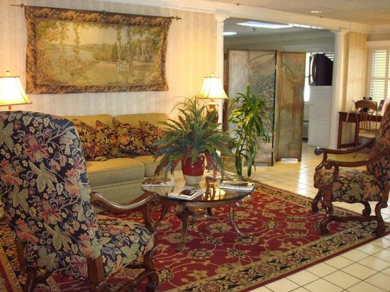 Clarion Inn & Suites: Beautiful Lobby