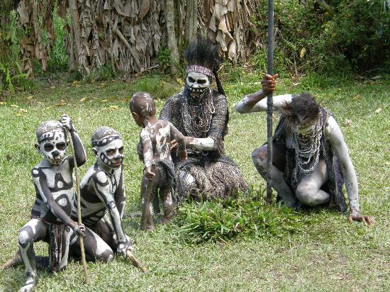 Mount Hagen, Papua New Guinea: Skeleton Dance