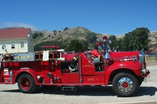 San Francisco Fire Engine Tours & Adventures: Mack 55 Fire Engine