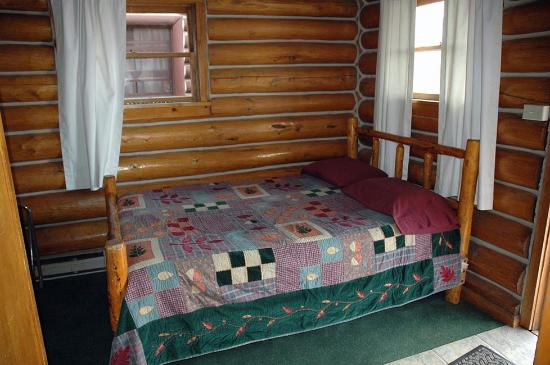 Chico Hot Springs Resort: 1 of 2 dbl beds, Rustic Cabin
