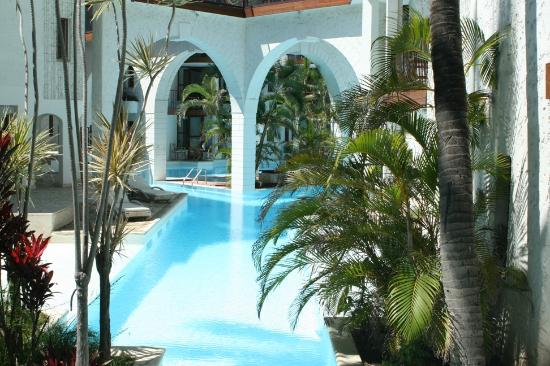 Le Saint Alexis Hotel & Spa: Piscine Intérieure