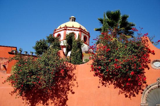 San Miguel de Allende, México: beuatiful scenes everywhere