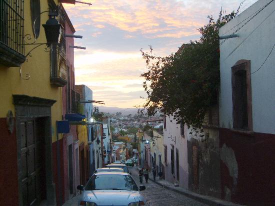 San Miguel de Allende, México: a typical street in the center of town