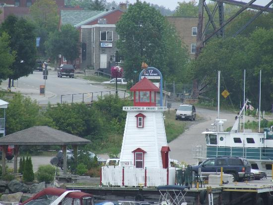 Parry Sound Inn and Suites: The harbour.