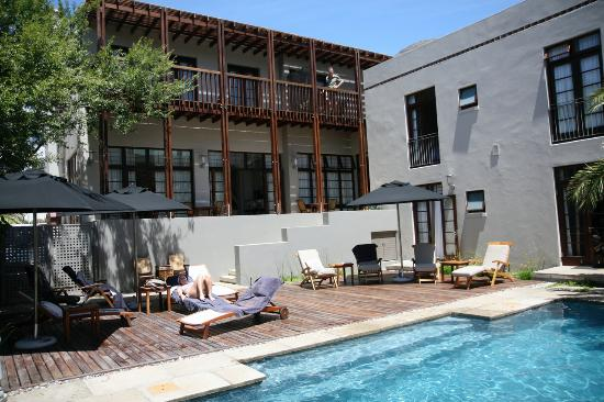 Derwent House Boutique Hotel: View at the pool