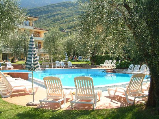 Hotel Baia Verde: Pool Area