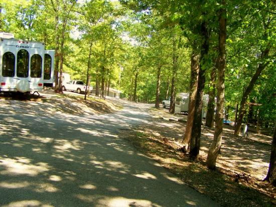 Compton Ridge Campground and Lodge : COMPTON TRAVEL PARK