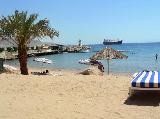Movenpick Resort & Residences Aqaba: The Hotel Beach