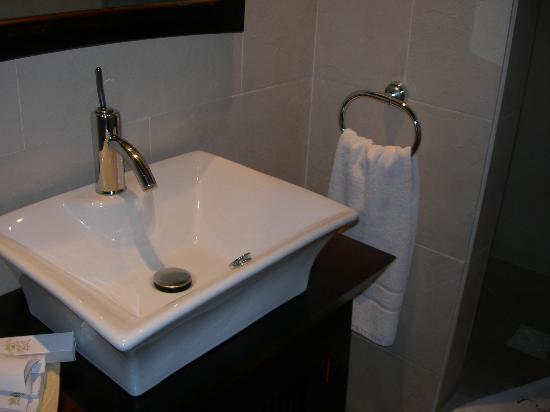 La Villa Marbella: Angkor bathroom