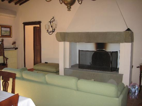 Agriturismo San Gallo: The lounge area in our apartment