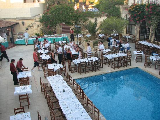 Cornucopia Hotel: BBQ is starting