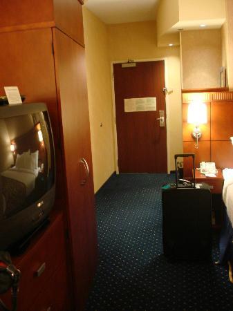 Courtyard by Marriott Harrisburg Hershey : Hotel Room - 4th Floor