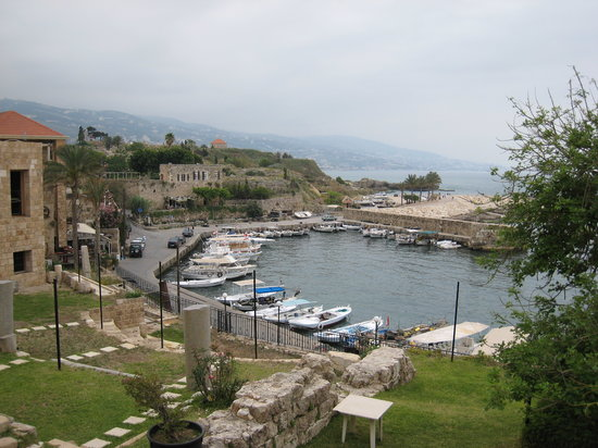 Beirut, Líbano: Jbeil harbor of this wonderful village