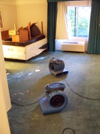 La Quinta Inn & Suites Austin at The Domain: A damaged room (post flood)