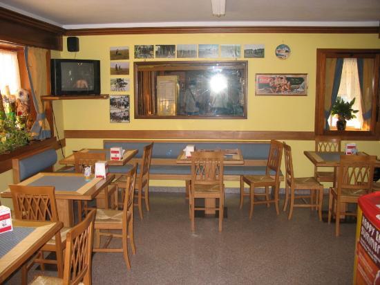 #474355 sala bar Foto de Albergho fratte Fregona TripAdvisor 550x412 píxeis em Bar Para Sala De Estar Moderno Com Rodas