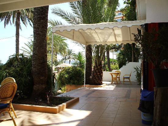 Hotel Figueretes: Aussicht van der Terasse