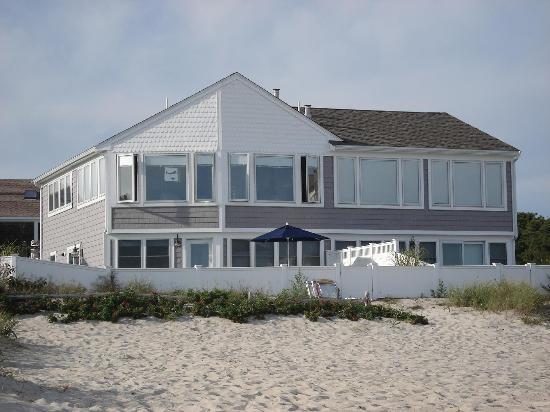 The Dunes Motor Inn: beach house