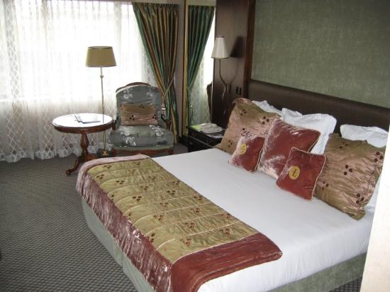 The Langham, Auckland: Large comfy bed