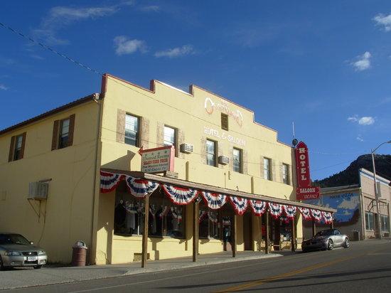 Pioche, Невада: Overland Hotel & Saloon
