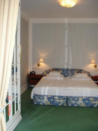 Brenners Park-Hotel & Spa: Our Bed