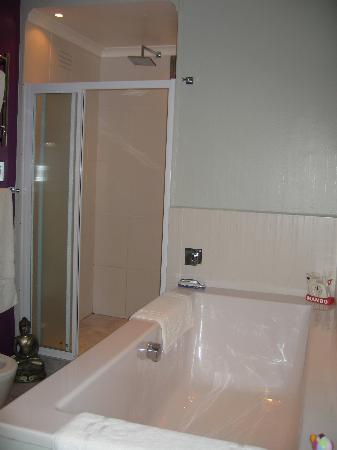 twentytwo : Bath