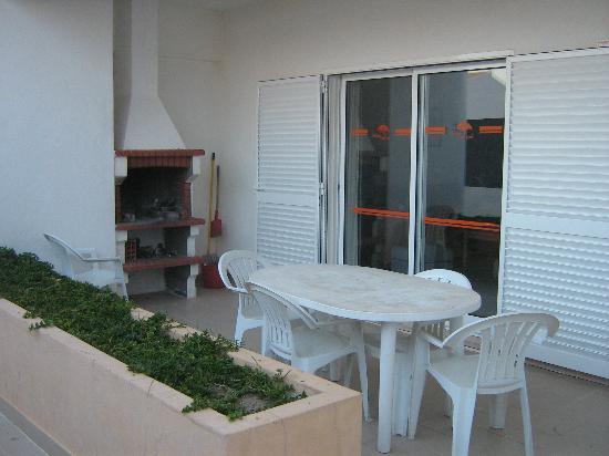 Aldeia Gale Apartments: Barbecue