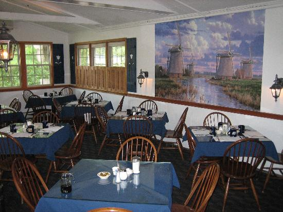 Alpenrose Motel: Try a Dutch pancake at the Dutch Pancake Cafe in Stowe.