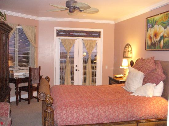 Cayucos Sunset Inn: Bali Suite (this doesn't do it justice)