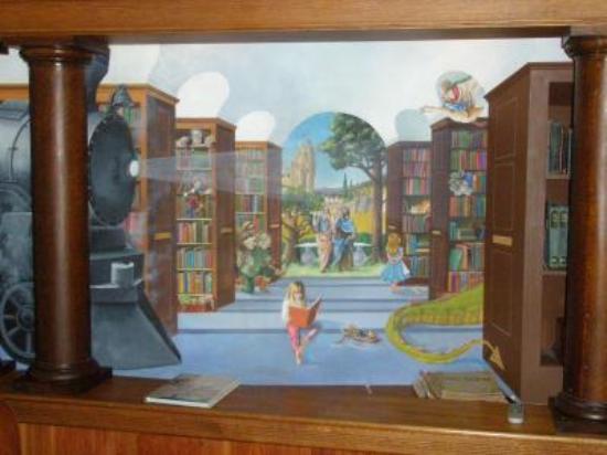 Pitcher Inn: School room fresco