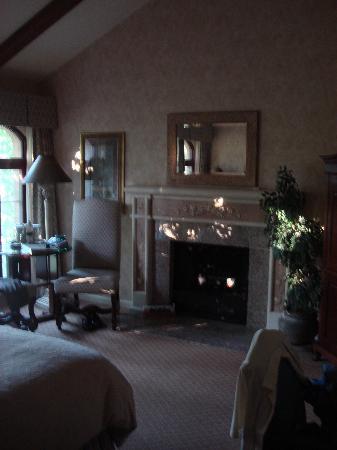 Vintners Inn: Fireplace Room