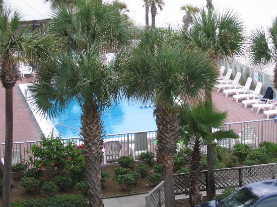 Bikini Beach Resort Motel : Pool View from Our Balcony