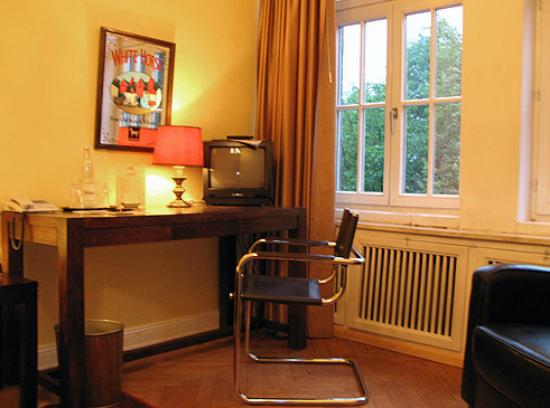 Amsterdam Hotel : Room