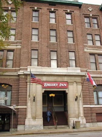 Drury Inn St. Louis at Union Station: front of the building