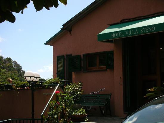 Hotel Villa Steno: front of hotel